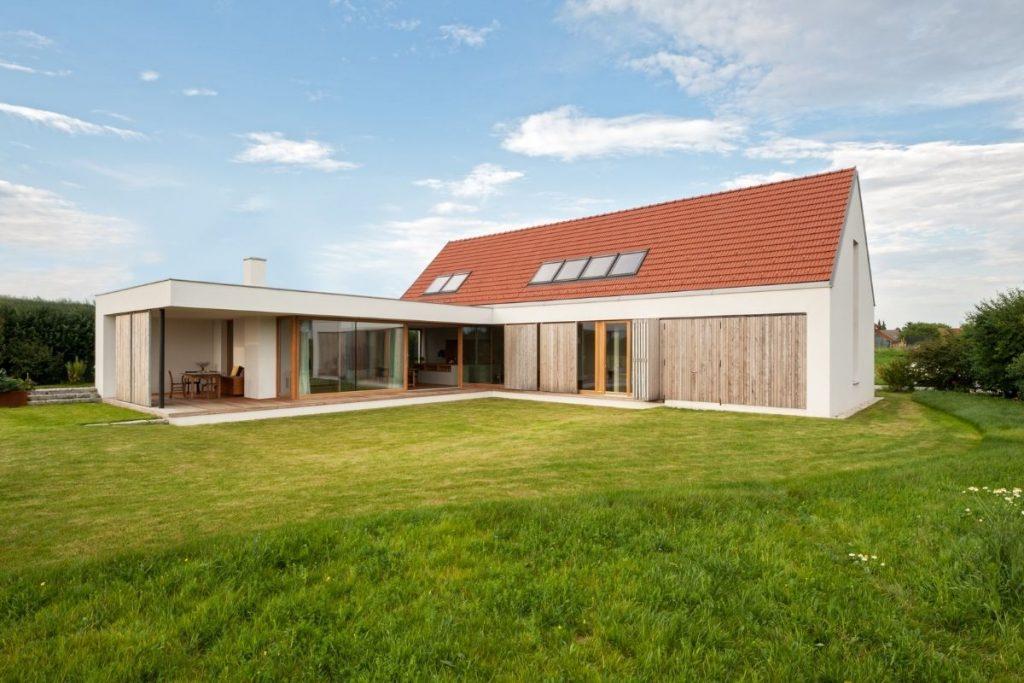 Rodinny dom s keramickou skridlou