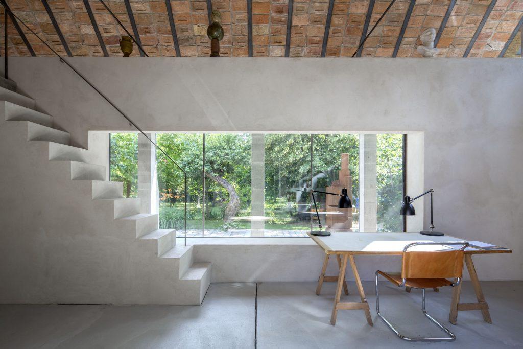 Rekonstrukcia a pristavba domu v usadlosti na vyrobu tehly